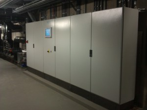 Bild 2: Basierend auf zwei Siemens S7-Steuerungen entstand eine moderne Gebäudeautomation. Sie verbindet die Gewerke Badewasser, Heizung, Lüftung und Sanitär miteinander und sorgt heute für einen effizienten, wirtschaftlichen und sicheren Betrieb (Foto: Tesla Automation)
