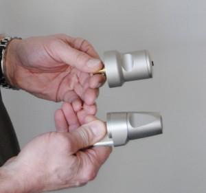 Bild 2 Kompakte Maße erlauben den Einbau in praktisch jede handelsübliche Tür und deren Beschläge (Bild: EVVA)