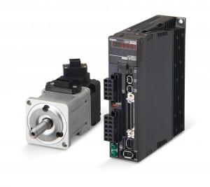 Bild 2 Kompakte Servoantriebe sorgen für die sichere Führung der Papierbahn. (Bild: Omron)