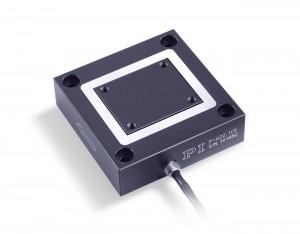 Bild 4:  Positioniersystem, basierend auf piezoelektrischen Aktoren mit einem Stellweg von bis zu 1000 µm und einer Wiederholgenauigkeit um 1 nm. (Foto: PI)