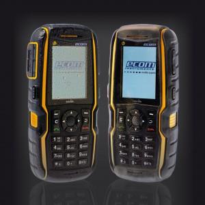 Diese Familie explosionsgeschützter Mobiltelefone für Zone 1 überzeugt insgesamt durch Leistungsfähigkeit, Software- und Netzwerkkompatibilität, Robustheit und Zuverlässigkeit. Individuelle Konfigurationsmöglichkeiten sorgen dafür, dass jeder Anwender eine für seine Ex-Anwendung maßgeschneiderte Lösung findet. Bild: ecom