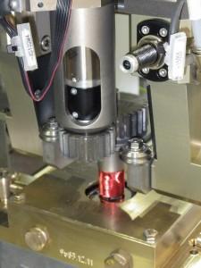 Motorspule mit temperaturfestem Isolierlack widersteht besonderen Anforderungen beim Verzinnen Bild: Faulhaber