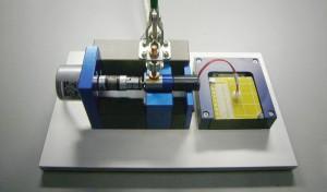 Prüfaufbau zur Gleichlaufprüfung bei Kleinantrieben Bild: FAULHABER