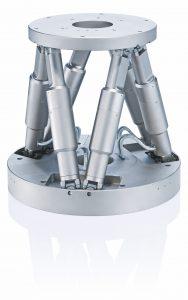 Der biomechanische Aufbau des Simulationssystems basiert auf einem parallelkinematischen Hexapoden der Serie H-850 Bild: PI
