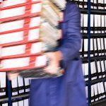 Im Papierformat angelieferte Dokumente müssen beim Anlagenbetreiber gesammelt, gesichtet, geprüft, sortiert und dann natürlich sinnvoll zur Verfügung gestellt werden. Bild: mch67 - Fotolia.com