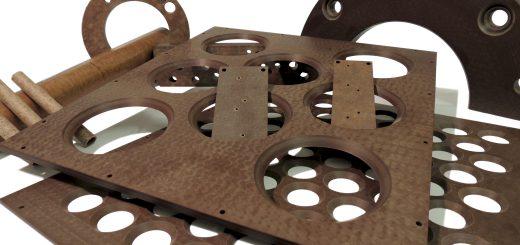 Auch Rohre, Stäbe oder andere dreidimensionale Strukturen lassen sich mithilfe moderner Fräsen, Exzenter-Pressen oder CNC-Bearbeitungszentren leicht fertigen. Bild: Dr. Dietrich Müller GmbH