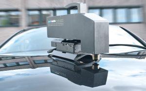 Die optische 3D-Oberflächeninspektion eignet sich sowohl für den Labor- als auch den anspruchsvollen Industrieeinsatz, z.B. in der Automobilindustrie zur Kontrolle des Lackerscheinungsbildes. Bild: NanoFocus