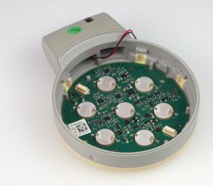 Innenleben des Ultraschall-Transducers. Sieben identische Piezoelemente sind symmetrisch angeordnet und arbeiten sowohl als Sender als auch Empfänger für Ultraschall. Bild: Philips