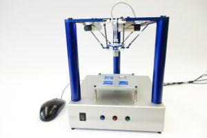 Ein Roboter, der auf den Schreibtisch passt: Er liegt trotz gleicher oder sogar besserer Leistungsfähigkeit preislich weit unterhalb des bei Industrierobotern üblichen Rahmens. Bild: NTB