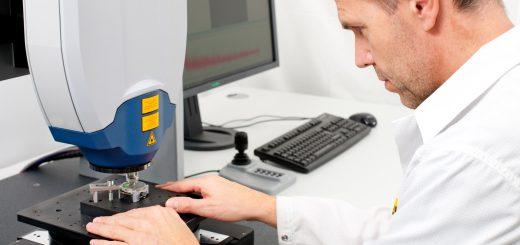 Das Messsystem erlaubt die gleichzeitige Erfassung aller Bewegungskomponenten mit nur einem Messstrahl und einer Schwingungsamplitudenauflösung im Pikometerbereich. Bild: Polytec