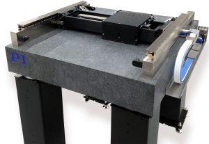 Planarscanner von PI mit Luftlager und magnetischen Direktantrieben. Bild: PI