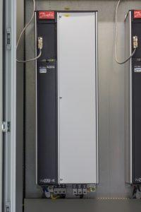 Die Zahl der Frequenzumrichter nimmt stetig zu, eine leise Kühlung verbessert die Arbeitsumstände. Bild: ebm-papst