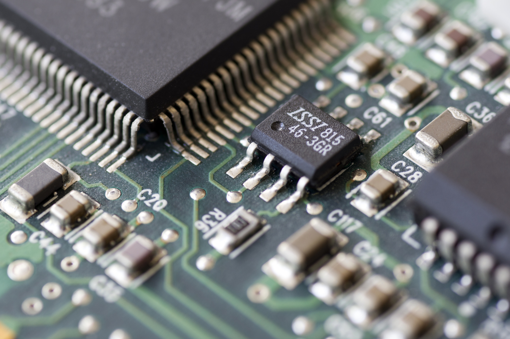 Embedded Systeme für industrielle Kameras. Anwendungsgebiete sind Automotive, Traffic, Rail-Road, Mikroskopie, Aviation und Messtechnik. Bild: Lars Eric Krneheim - Fotolia