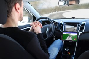 Das selbstfahrende Auto soll seine Umgebung unter anderem mit optischen Sensoren erfassen. Bild: RioPatuca Images - Fotolia