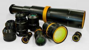 Die kompakten Röntgenobjektive gibt es in unterschiedlichen Ausführungen; sie passen zu allen marktüblichen Kameras. Bild Optec
