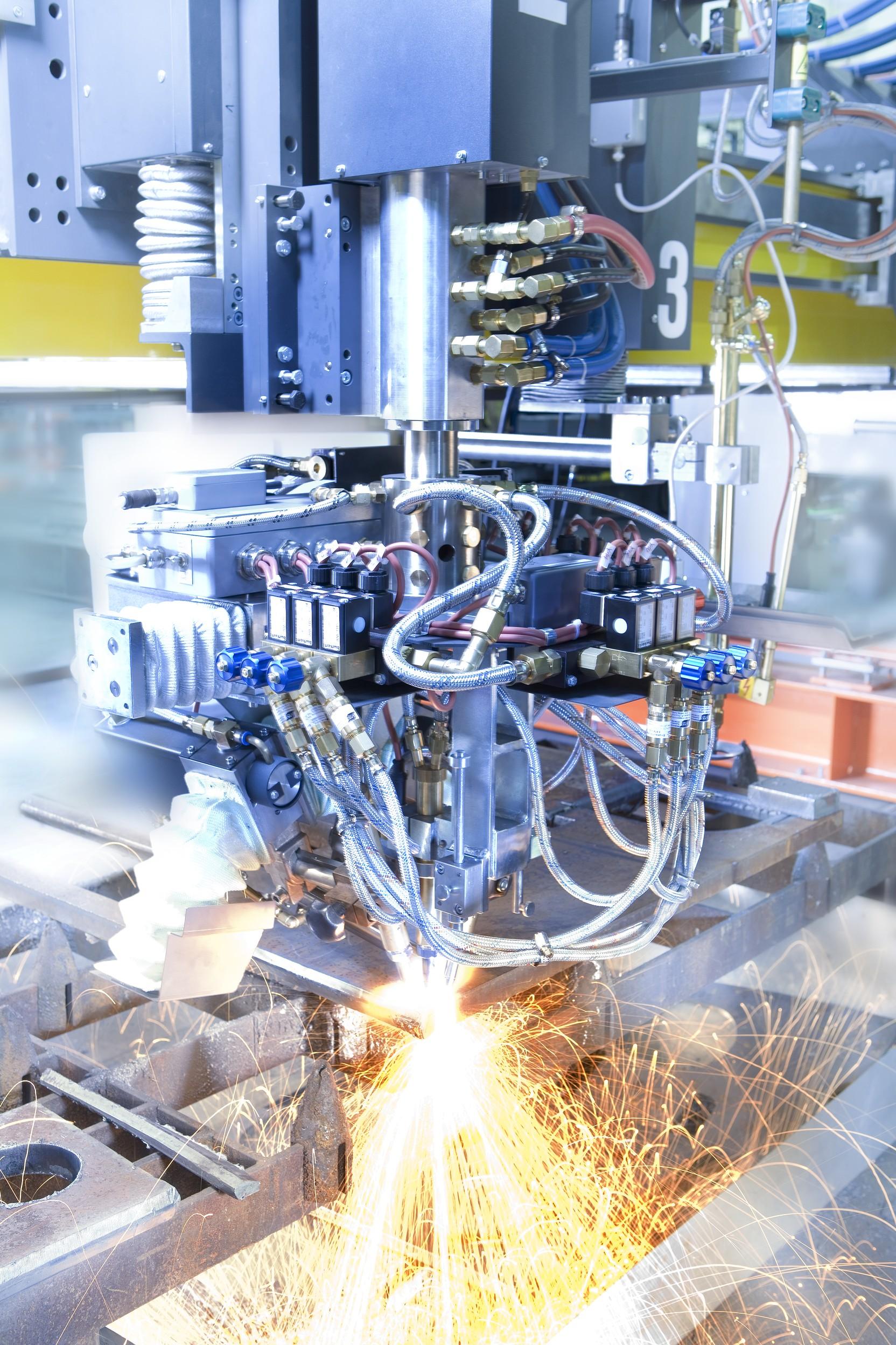 Systemlösung für eine verfahrenstechnische Regelung der unterschiedlichen Gas-ströme bei Brennschneidsystemen. Bild: Bürkert