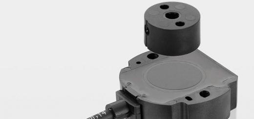 Magnetischer Winkelaufnehmer RFC 4800, bei dem Sensor und Positionsgeber als getrennte Komponenten konzipiert sind. Bild: Novotechnik