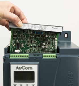 Der Sanftanlasser EMX4 von AuCom mit Steckplatz für eine intelligente SmartCard. Quelle: AuCom