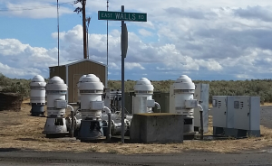 Pumpanlagen, über große Flächen weit verstreut, lassen sich nur dezentral wirtschaftlich steuern. Quelle: AuCom
