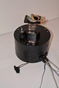 Um den Zippermast für den täglichen Einsatz fit zu machen, haben sich seine Entwickler einiges einfallen lassen: Die Elektronik beispielsweise ist komplett vergossen. Bild: progenoX