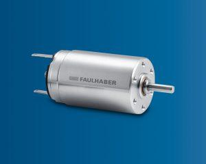 Kompakte Einheit aus Encoder, Bürstenmotor und Planetengetriebe. Alle haben den gleichen Durchmesser. Bild: FAULHABER