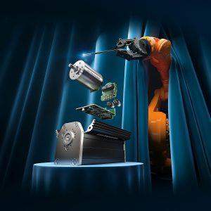 Motion Controller einer neuen Generation. Drei Gerätevarianten decken unterschiedliche Einsatzbereiche ab. Wie schon die bestehenden und auch weiterhin verfügbaren Produkte sind auch die neuen V3.0-Geräte perfekt auf die DC-Kleinstmotoren aus dem FAULHABER- Portfolio abgestimmt, aber nicht darauf begrenzt. Bild: FAULHABER