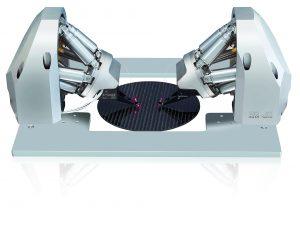 System mit sechs Freiheitsgraden zur schnellen und präzisen Justage von Fasern, Faser-Arrays und optischen Bauelementen. Bild: PI