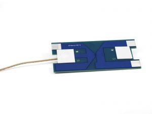 Diese Antenne wurde für eine einfache Installation mit Klebepads in Trafostationen entwickelt. Sie unterstützt die LTE-Frequenzen von 700 bis 2600 MHz. Hohe Leistung und schnelle Installation machen diese Antenne häufig zur besten Wahl. Bild: Welotec