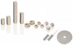 Keramisch isolierte PICMA-Piezoaktoren in unterschiedlichen Bauformen: langlebig auch unter erschwerten Einsatzbedingungen. Bild: PI