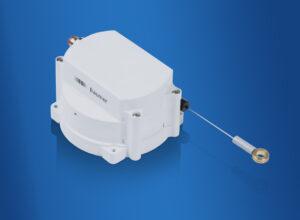 Die robusten Seilzug-Wegsensoren sind optimal geeignet für den Einsatz im Außenbereich und für Anwendungen mit beengtem Montageraum. Bild: Baumer