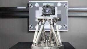 Der Hexapod H-840 ist für die Prüfung von Bildstabilisierungssystemen ausgelegt und gemäß dem Standard DC-011-2015 von der CIPA zertifiziert. Bild: DXOMARK