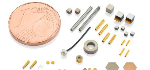Piezokeramische Komponenten gibt es in ganz unterschiedlichen Ausführungen, verschiedenen – auch bleifreien – Materialien und in vielen Geometrien, wie Scheiben, Platten, Rohren, Quadern, oder in nahezu beliebigen Sonderformen und OEM-Anpassungen. Bild: PI