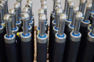 CFK-Zylinder in Serienfertigung von Anfang an, mit mehreren tausend bis zigtausend Einheiten im Jahr. Bild: Mark Hydraulik