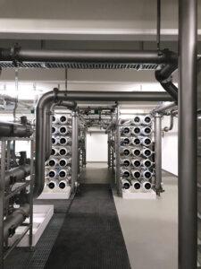 Permeat-Monitoring-System für die kontinuierliche Einzeldruckrohr-Überwachung von Membrandefekten in Nanofiltrations- und Umkehrosmoseanlagen. Bild: Bürkert Fluid Control Systems