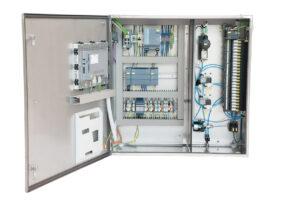 Da das Permeat-Monitoring-System auf der Ventilinsel Typ 8640 basiert, ist es gut skalierbar und eignet sich für kleine bis größte Anlagen, in denen beispielsweise bis zu 200 Druckrohre in einem Schaltschrank überwacht werden. Bild: Bürkert Fluid Control Systems