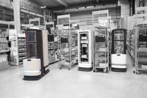 Der Logistik-Roboter TORU kombiniert autonomes Fahren mit Handlings-Robotik. Bild: Magazino