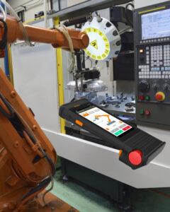 Ein beleuchteter Not-Halt-Taster für Safety-Anwendungen ermöglicht funktionale Sicherheit bis Ple. Bild: ACD Elektronik GmbH