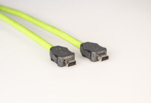 Der Steckverbinder ix industrial wird in unterschiedlichen Kodierungen zum prozesssicheren Anschluss geliefert. Bild: Helukabel
